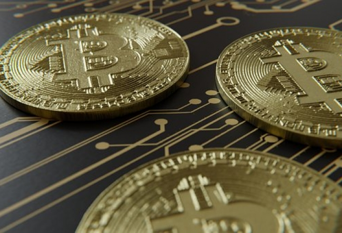 """""""The boundaries between banks and cryptocurrency are already blurring,"""" - CMO of mobile cryptobank MinePlex"""
